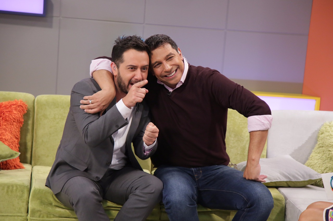 Camilo Cifuentes, el presentador invitado de «Acá entre nos»