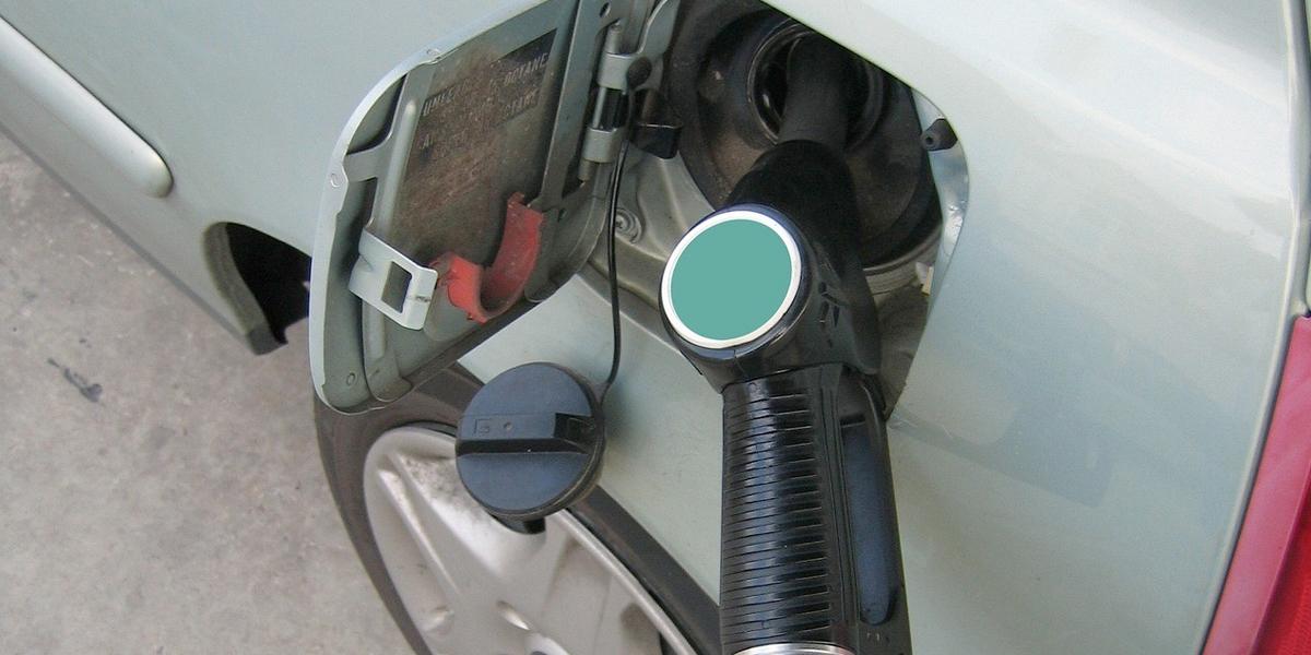 Precio de la gasolina vuelve y sube