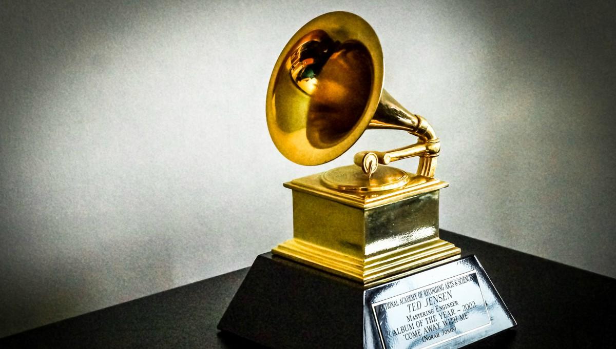 Por terremoto de México, se pospone anuncio de nominados a los Grammy Latino