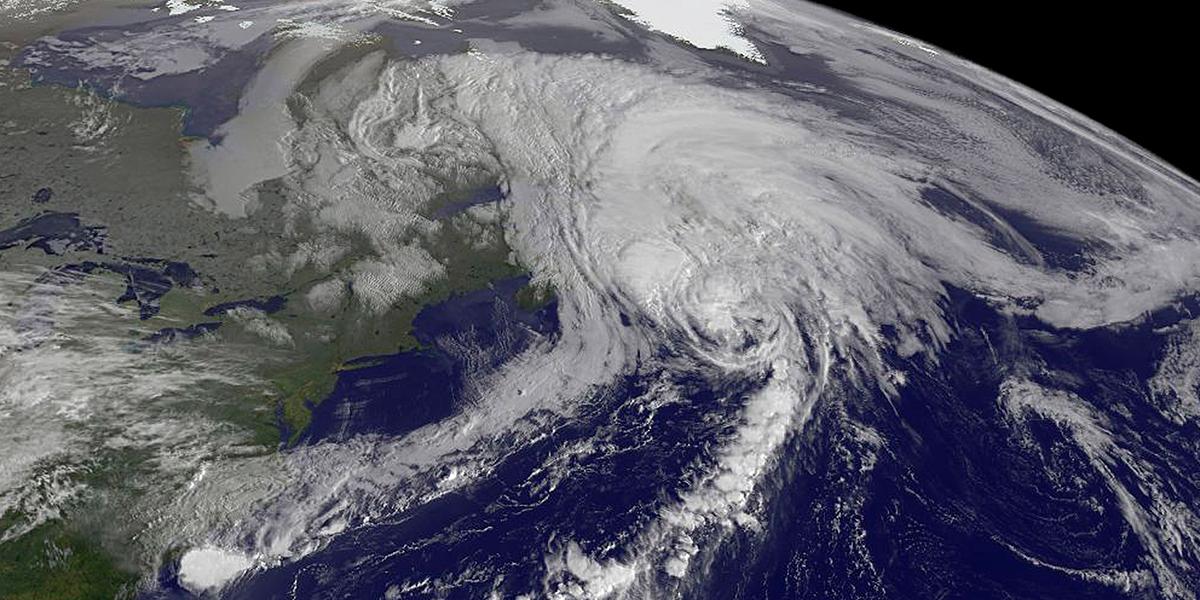 Huracán María aumenta a categoría 2 y se acerca a las islas del Caribe