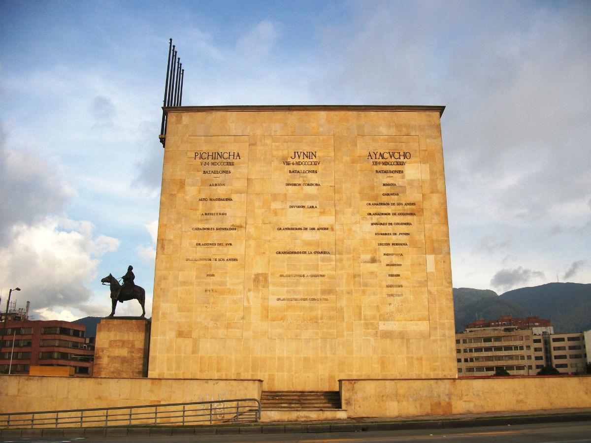 Monumento a los héroes Bogotá - pedro Felipe - Wikipedia (CC BY 3.0)
