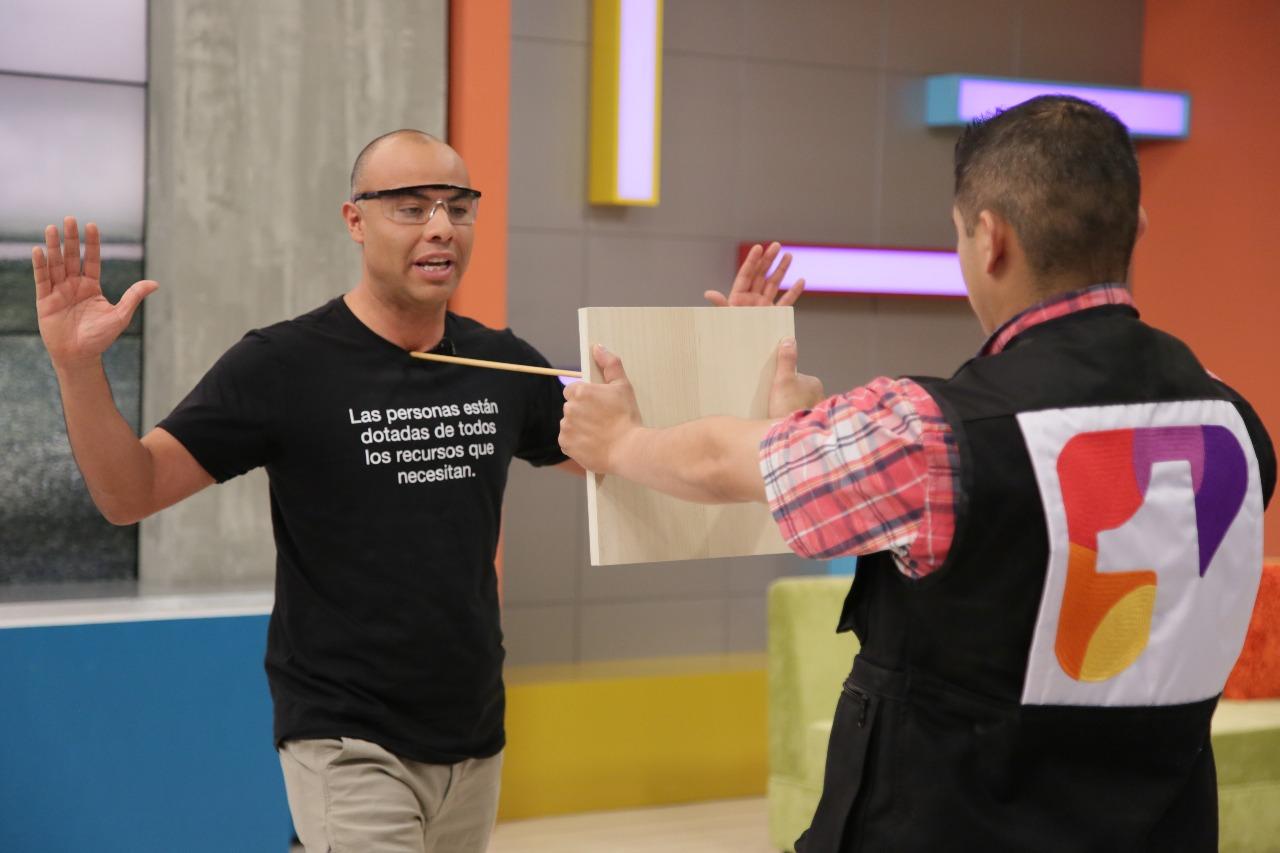 """El poder de la mente con Frederick Lambraño en """"Acá Entre Nos"""" / FOTO: Laura Vallejo - Digital Canal 1."""