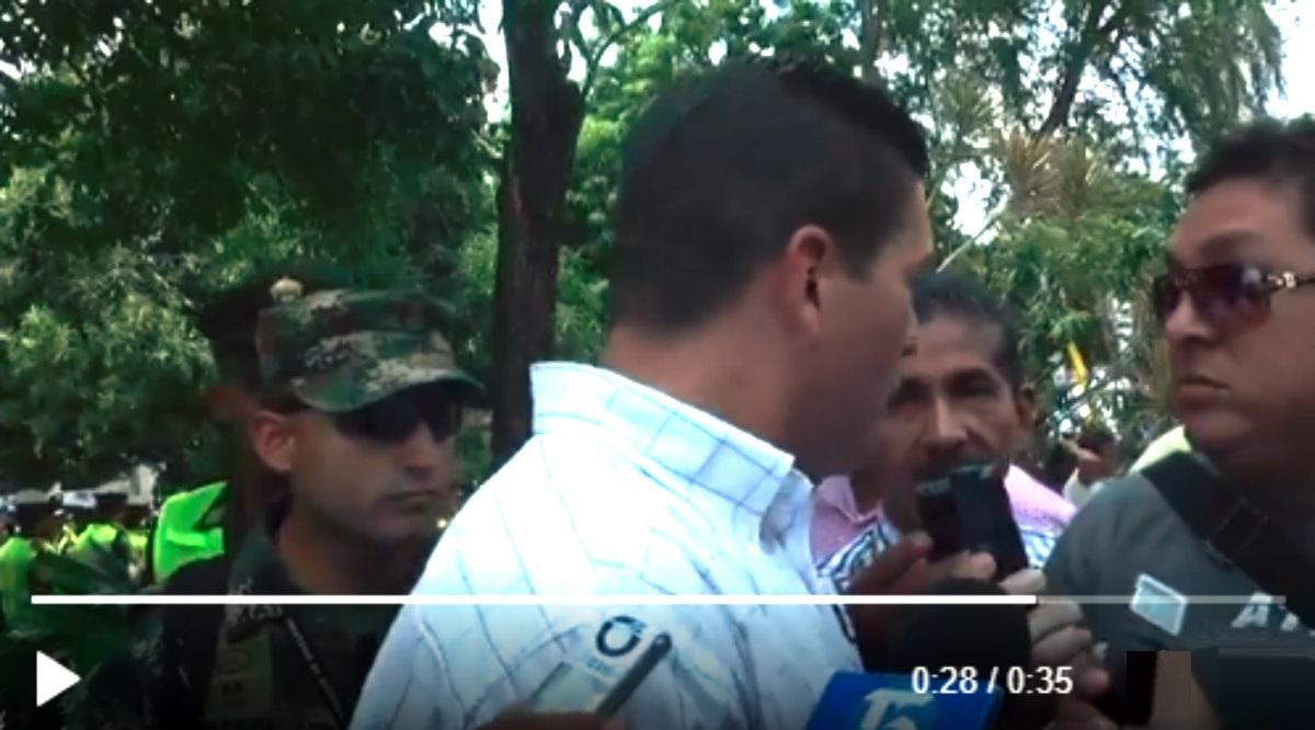 Reacción de Juan Carlos Pinzón ante pregunta de un periodista se hace viral