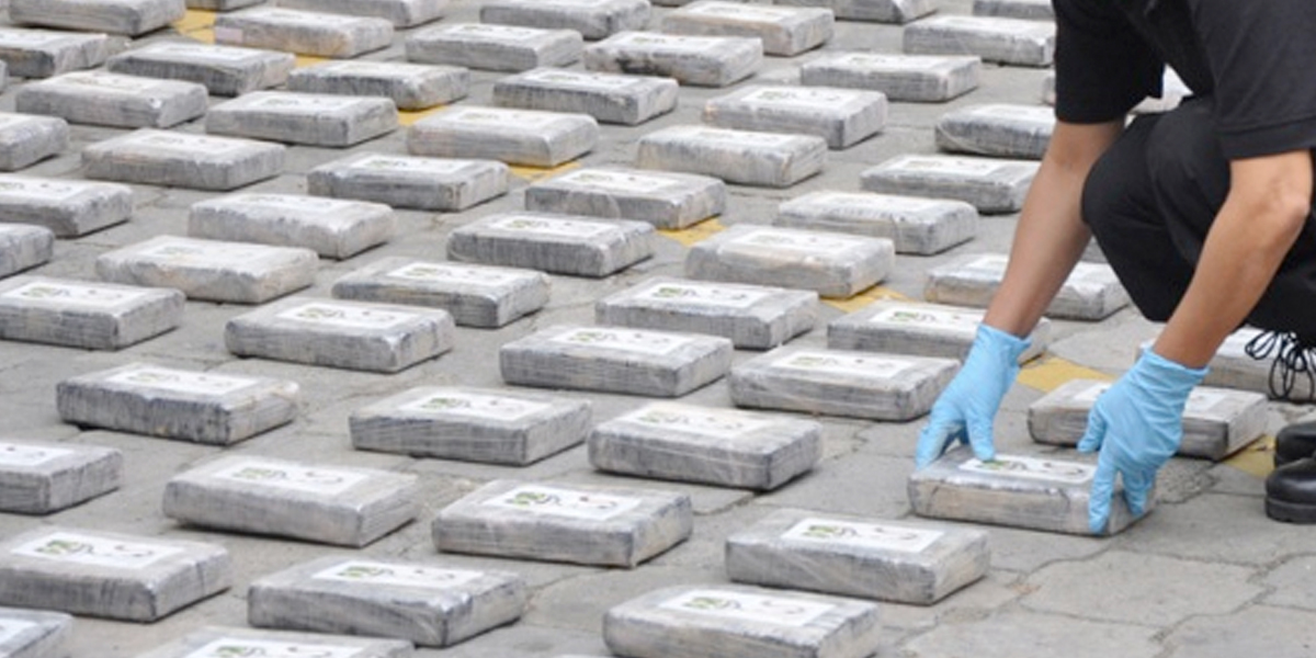 Localizan casi 9 toneladas de cocaína en cargamento de plátanos en España