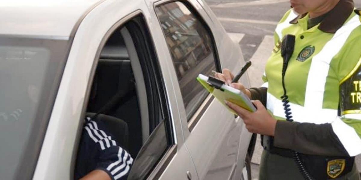 Diariamente, cerca de 526 conductores violan la cuarentena en el país