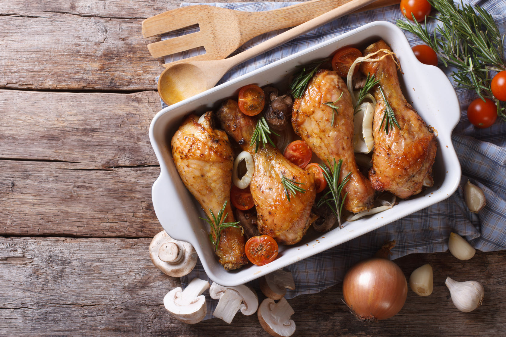 ¿Con ganas de pollo al horno? Te enseñamos a prepararlo