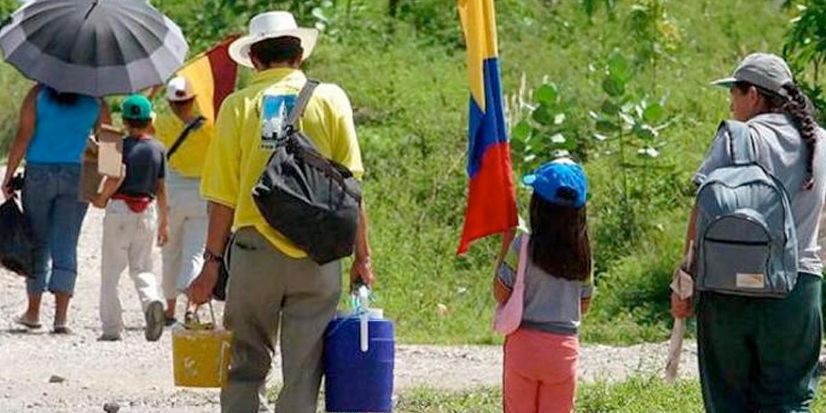 Más de mil personas se desplazan en Colombia por violencia