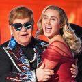 Elton John y Miley Cirus se presentan durante el 60º espectáculo anual de los Premios Grammy el 28 de enero de 2018, en Nueva York. / PH: Timothy A. CLARY - AFP.