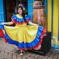 colombianos gente mujer - wjgomez - Pixabay (CC0) colombia segundo país más feliz del mundo