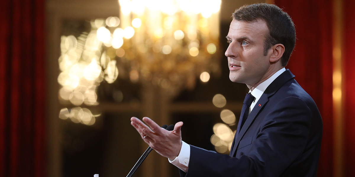 Macron anuncia una ley contra las