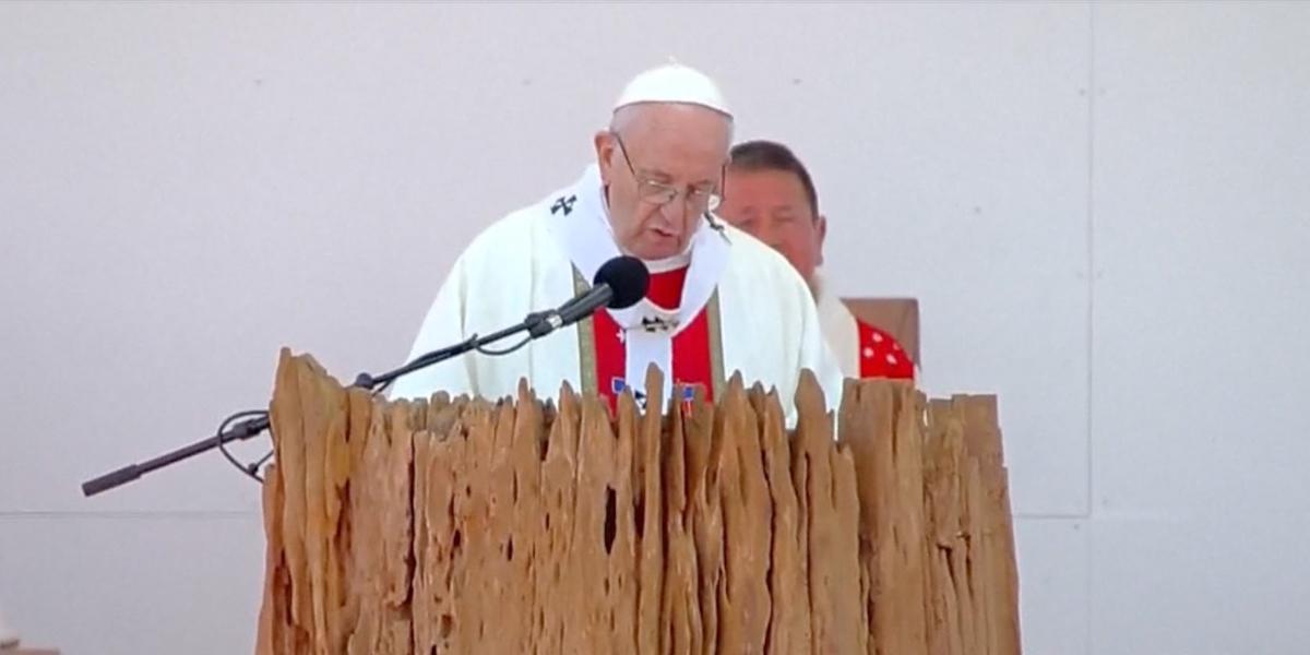 El Papa llega a Chile y comienza visita de tres días