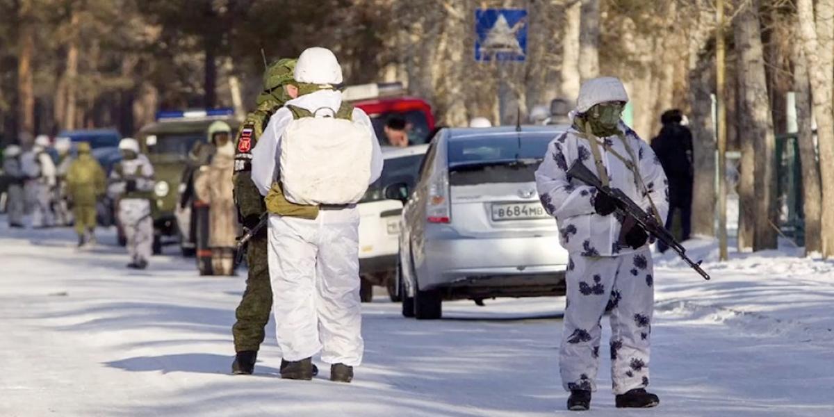 Alumno atacó a compañeros con un hacha en Rusia