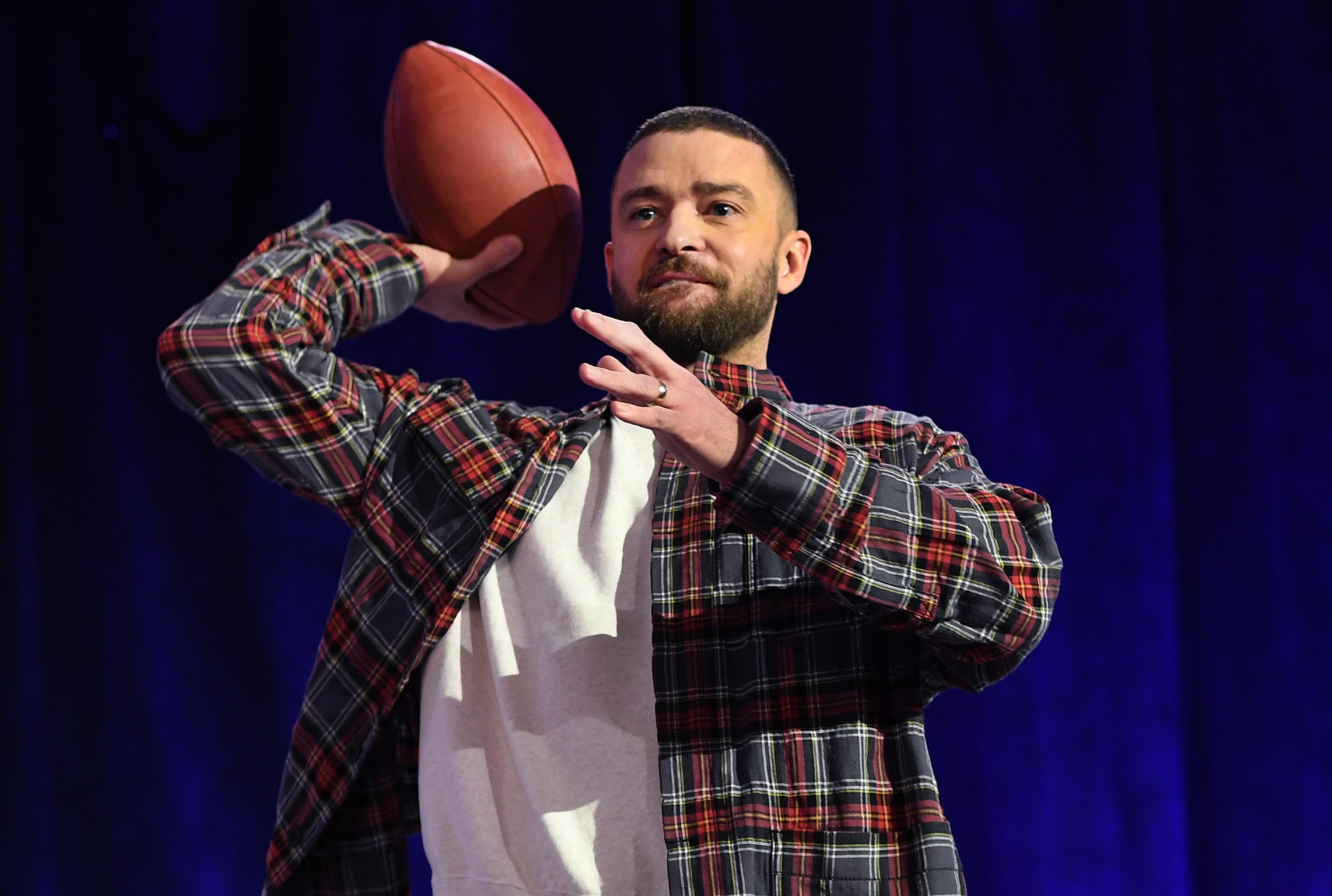 Justin Timberlake celebra su regreso a la música por la puerta grande