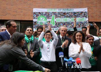 claudia lopez angelica lozano consulta anticorrupción salario de los congresistas
