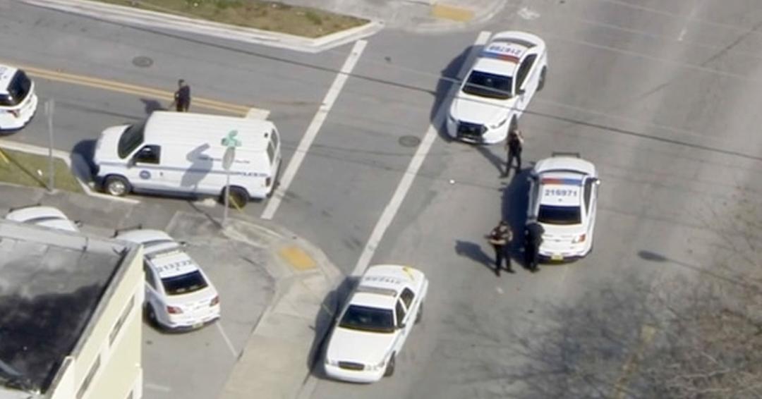 #AlertaADN Reportan una toma de rehenes en un restaurante de Miami