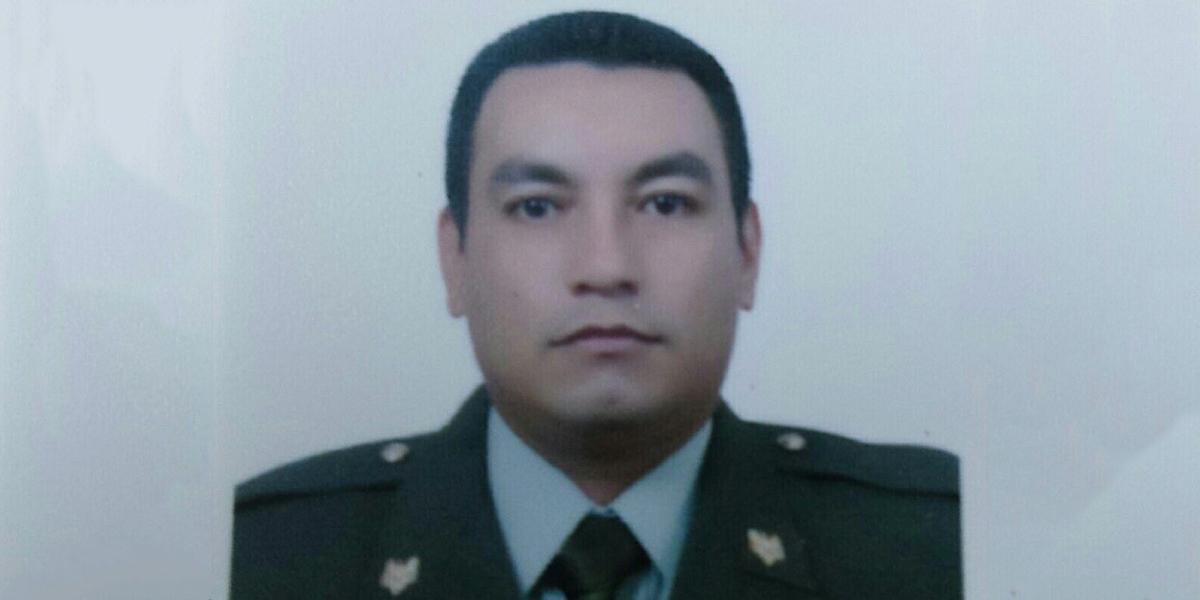 Asesinaron a un policía mientras desayunaba en un restaurante de Arauca, Colombia