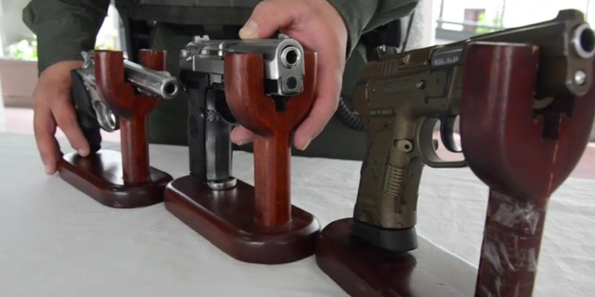 Demandan decreto que suspende porte de armas