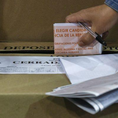 voto en blanco elecciones legislativas Congreso parlamentarias senado camara de representantes afp