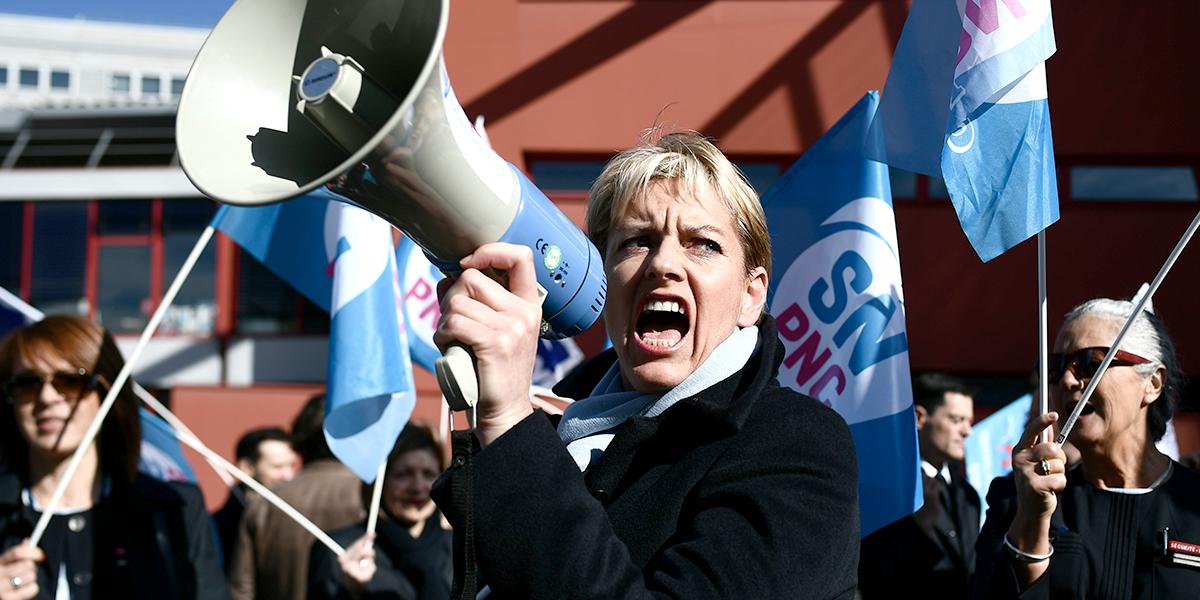 Continúa la huelga en Air France para demandar aumento salarial