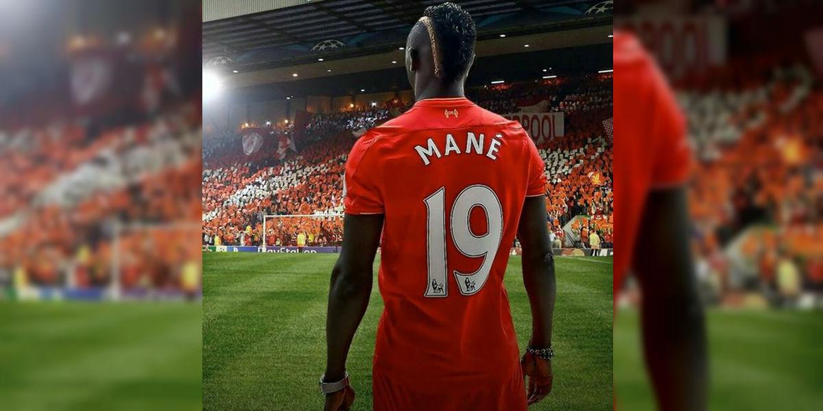Sadio Mané envía 300 camisetas del Liverpool a su pueblo en Senegal