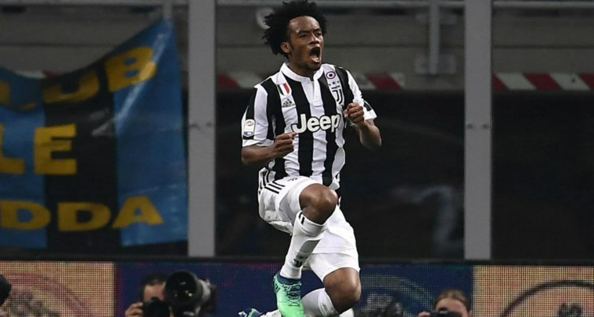 Napoli le acerca el título a la Juve
