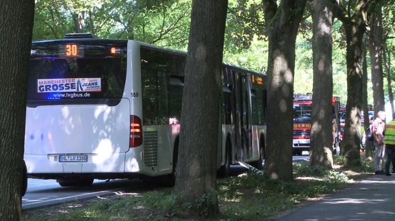 14 heridos por ataque con cuhillo en autobús — Alemania
