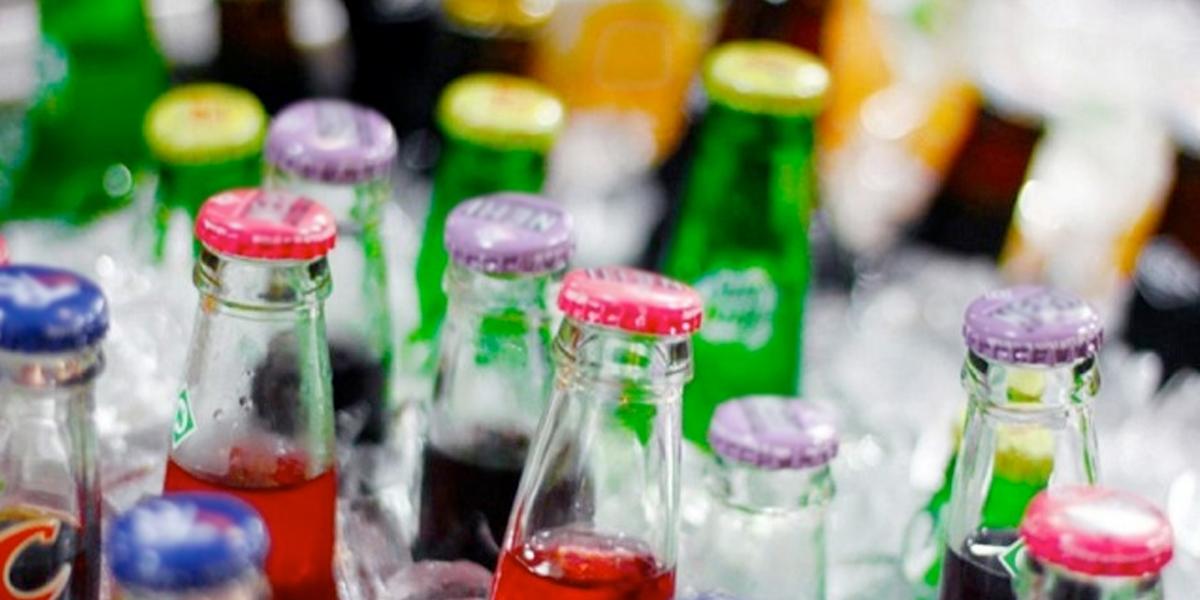 Concejo aprobó proyecto que le dice no a las bebidas azucaradas en colegios  - Noticentro 1 CM&