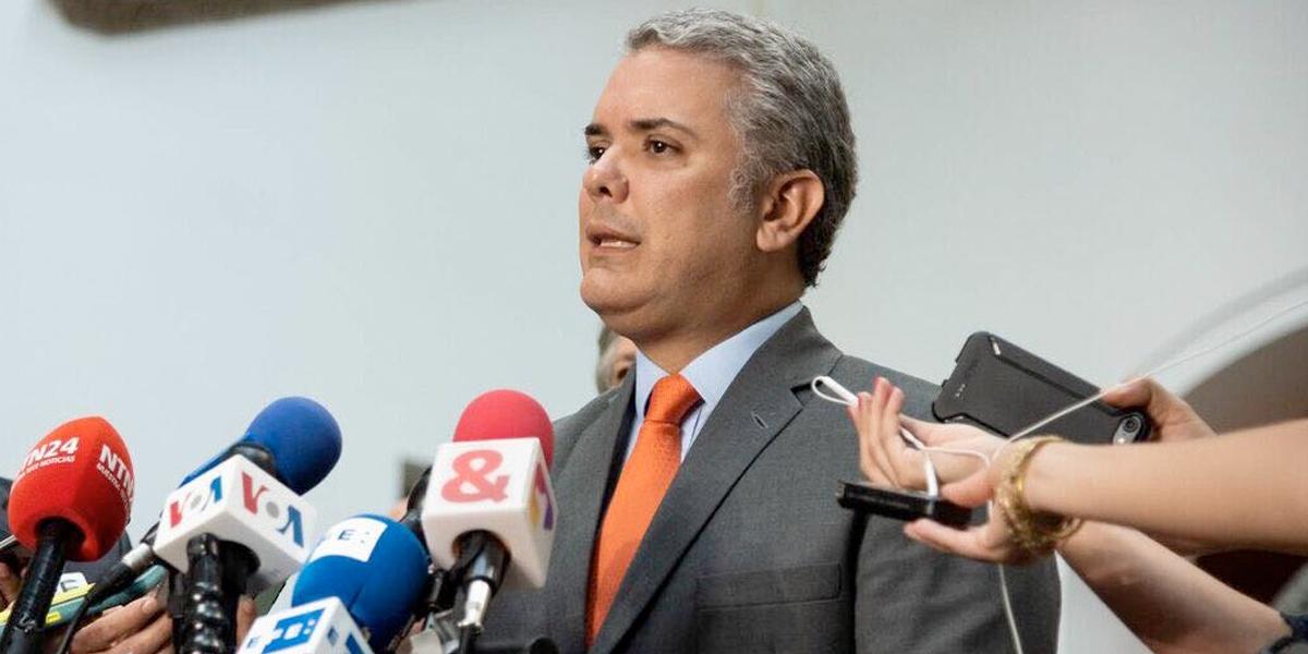 Felipe VI y Pedro Sánchez recibieron en Madrid a Iván Duque