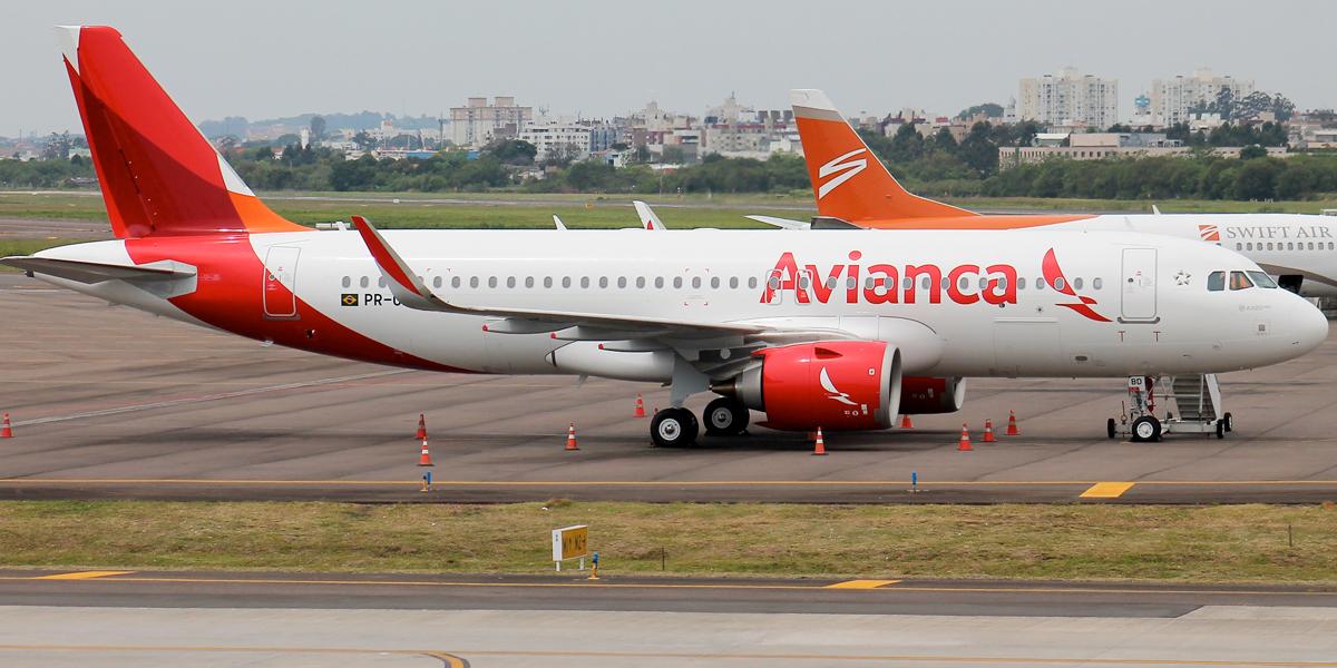 Avión de Avianca aterriza de emergencia en Panamá