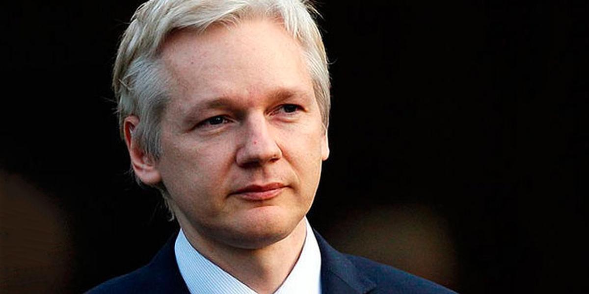 Moreno: No me agrada la presencia de Assange en nuestra embajada