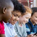 Uso de redes sociales en niños y jóvenes