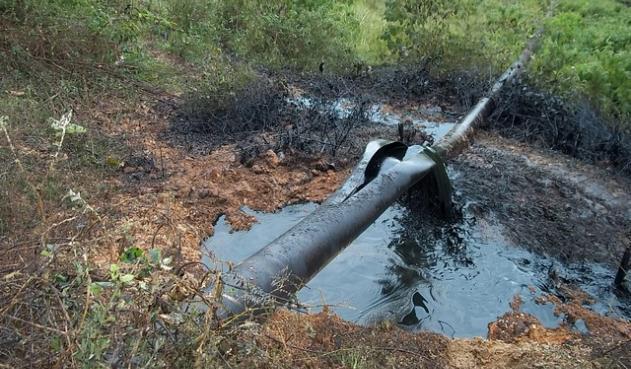Atentan oleoducto colombiano en zona fronteriza con Venezuela