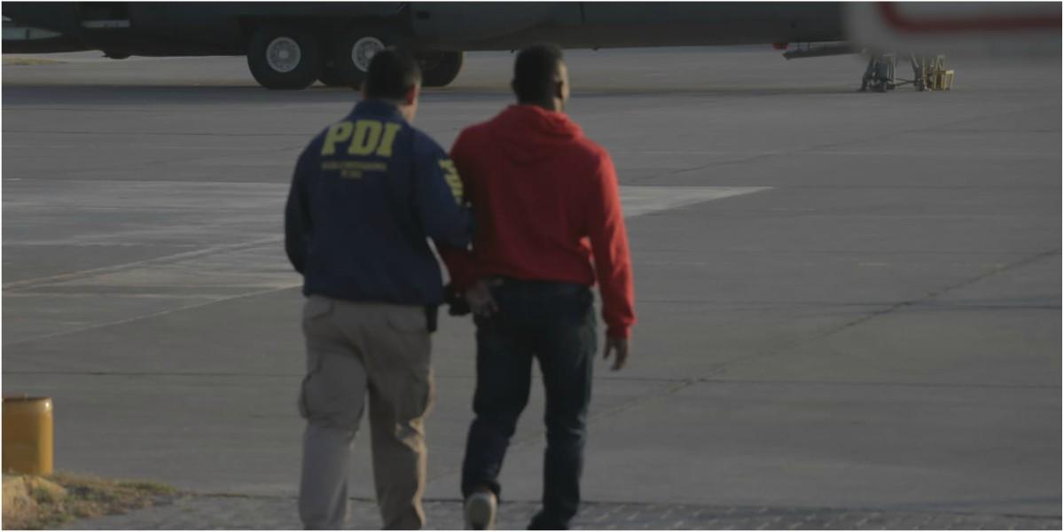 [VIDEO] Gobierno expulsa a 114 extranjeros por situaciones de permanencia ilícita