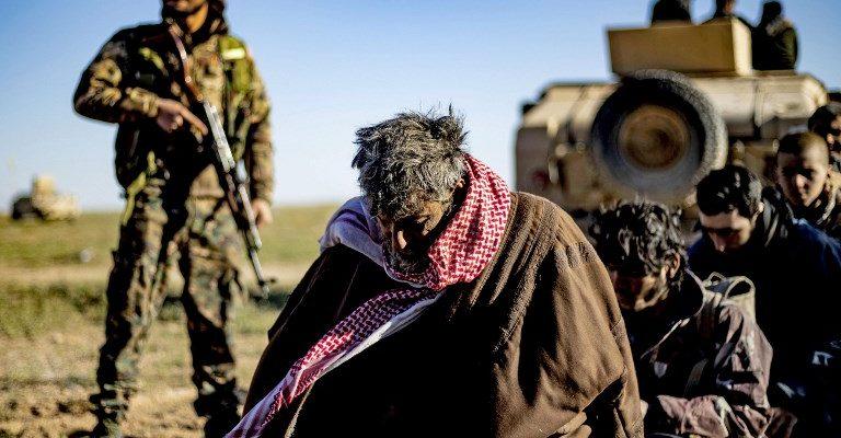Cientos de personas evacúan el último bastión del Estado Islámico — Siria