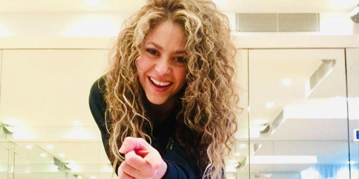 Shakira presenta a la barranquillera de 18 años que le enseñó a bailar parte de la sorpresa de la noche