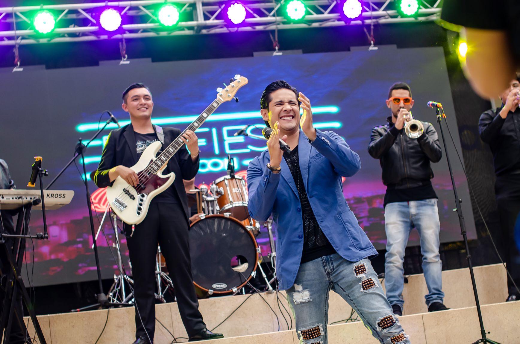 Juan Pablo Navarrete dejó a la mitad una carrera universitaria para dedicarse a la música