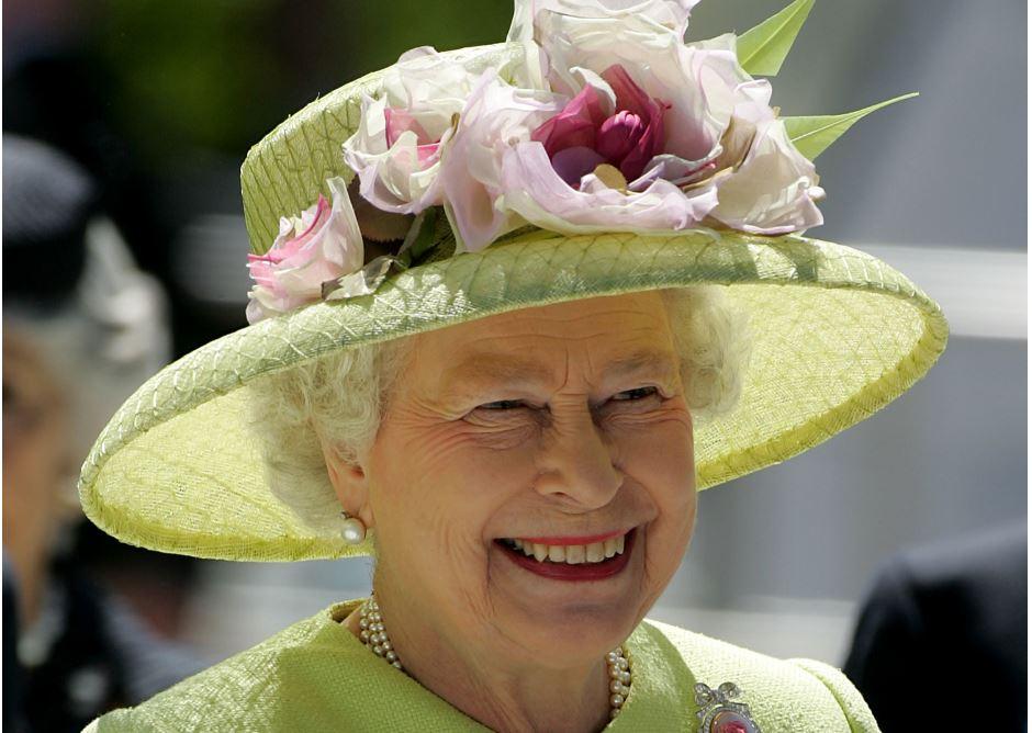 Por coronavirus, reina Isabel II celebrará un cumpleaños discreto y tranquilo