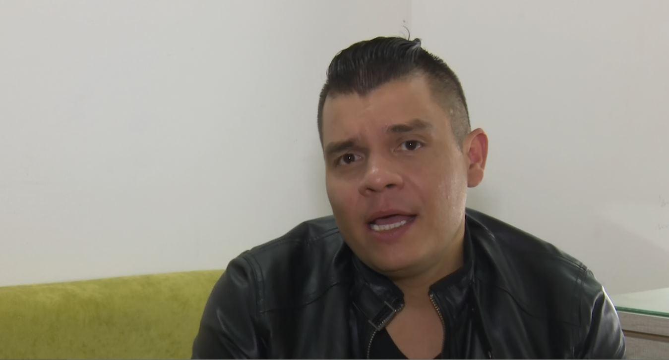 Alzate revela cómo está la relación con su hermano, quien ya no trabaja como su manager