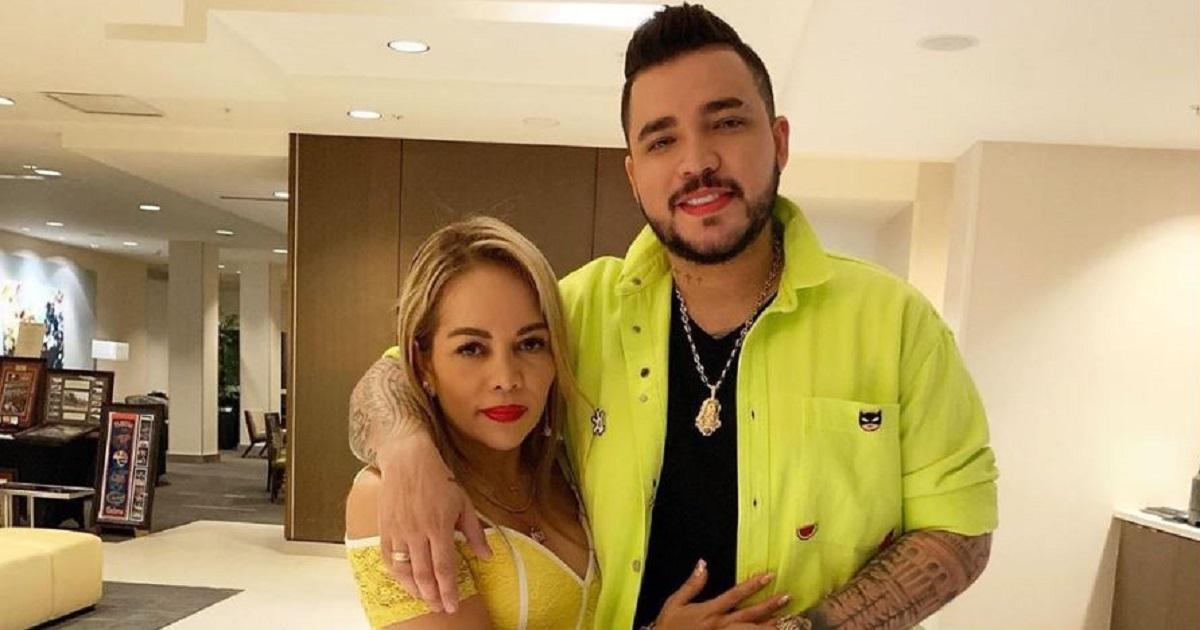 Jessi Uribe confirmó que se divorcia de su esposa 10 años mayor que él