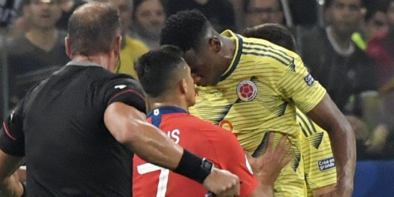 Daniel Muñoz, baja para los partidos de Colombia