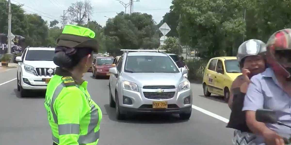 Más de 350 controles en las vías del país durante este puente festivo