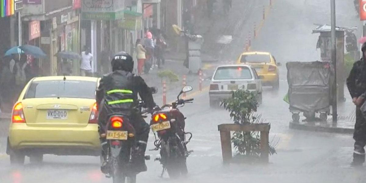 Ideam mantiene la alerta de tormentas sobre Bogotá