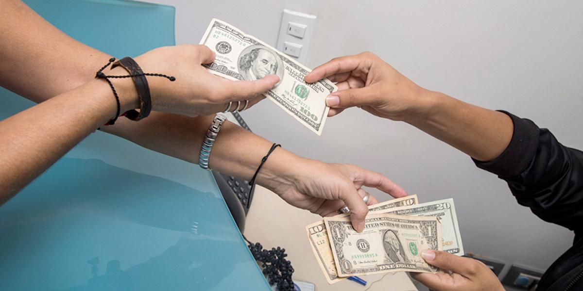 Dólares: la novedad en las compras de más de 70 mil venezolanos que llegan diariamente a Cúcuta