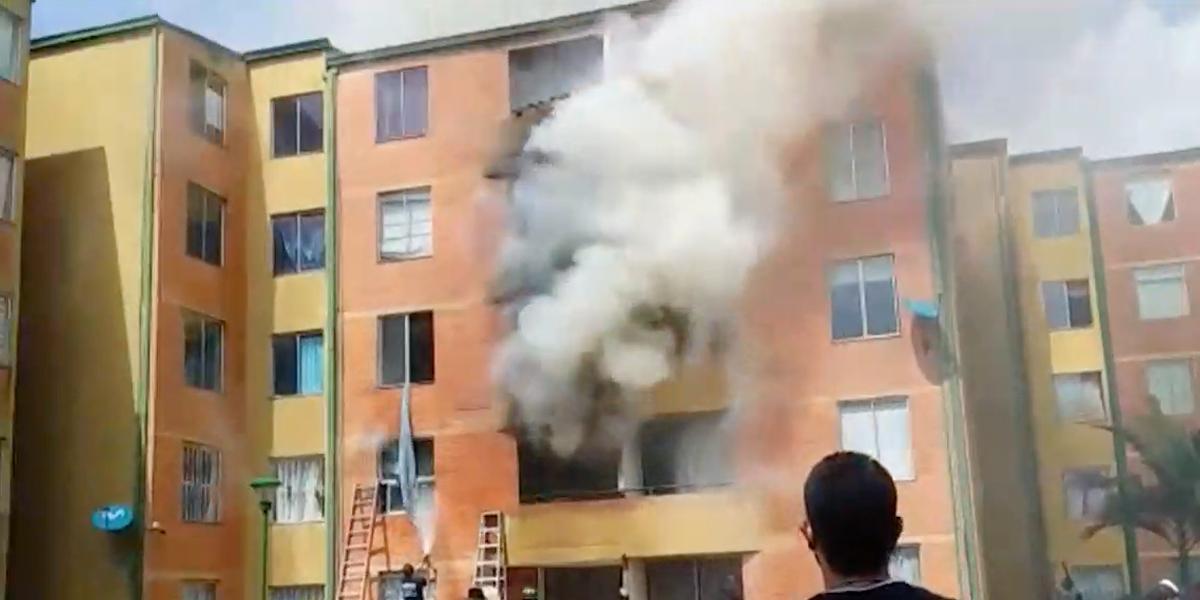 Tragedia en el occidente de Bogotá: incendio deja un muerto y cinco heridos