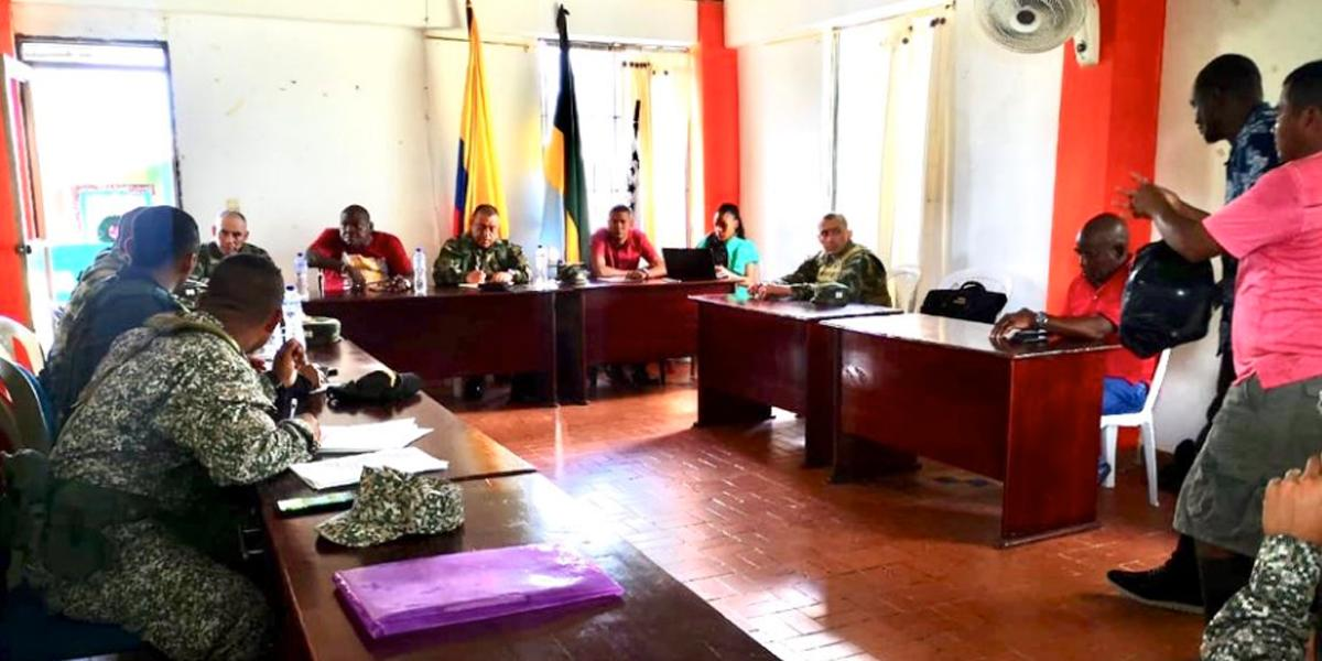 FF. MM. adelantan consejo de seguridad en Bojayá tras denuncias de presencia paramilitar