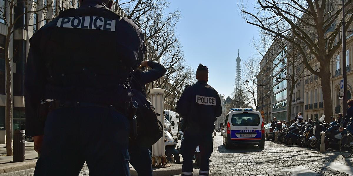 Un hombre apuñala a varias personas al sur de París antes de ser abatido