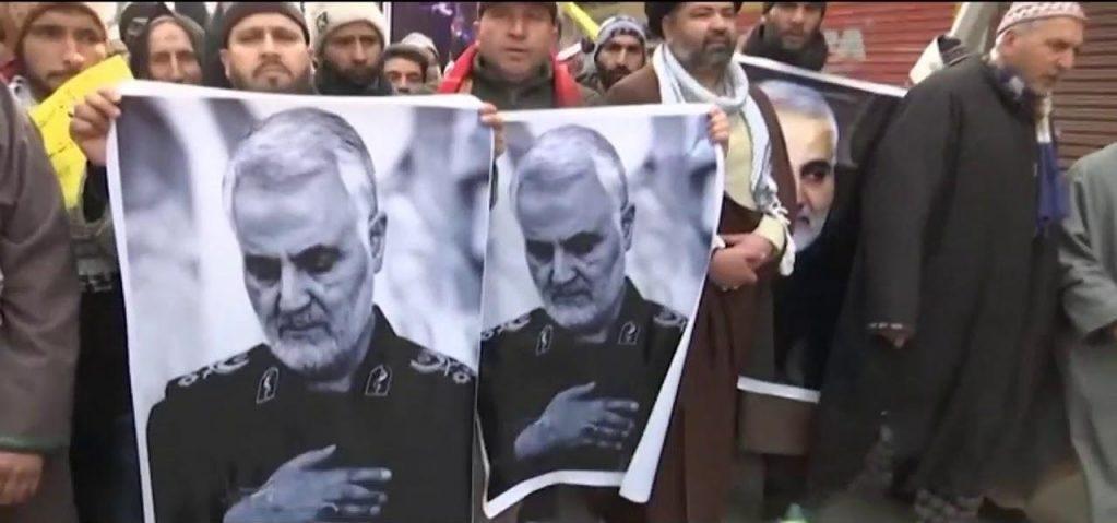 Irán clama venganza entre muestras de dolor en el masivo funeral de Qasem Soleimani