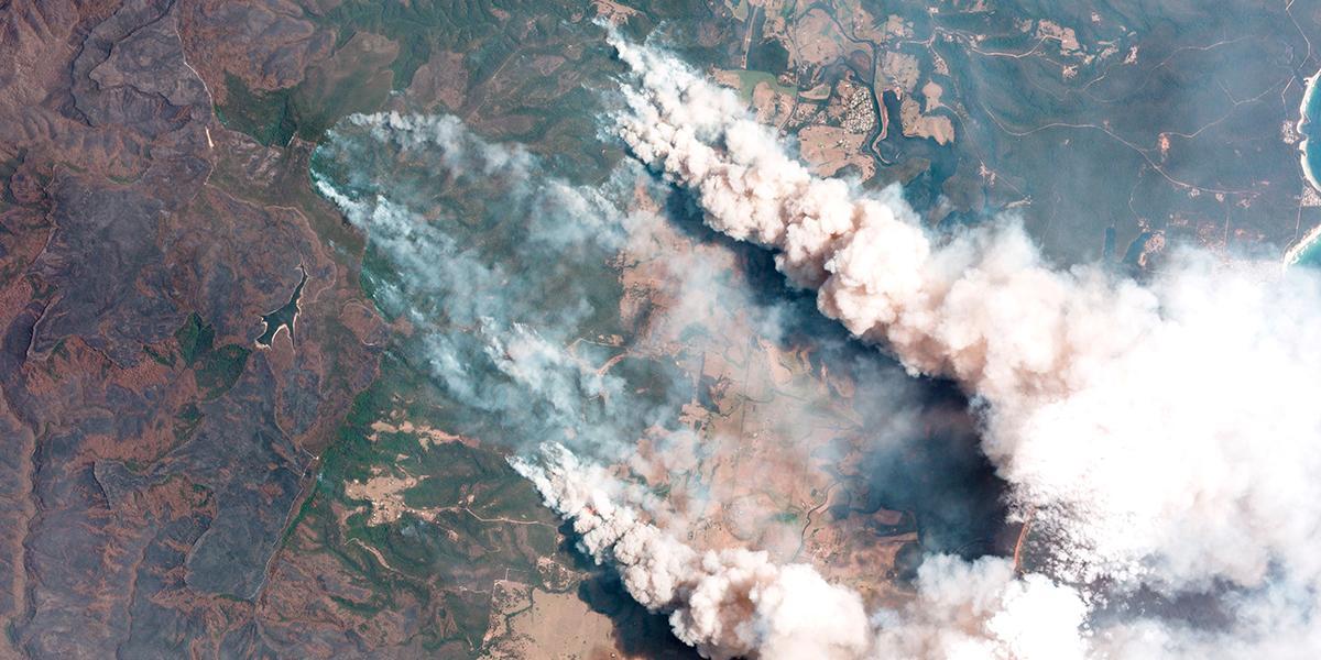 Humo de incendios forestales de Australia llega hasta Chile y Argentina