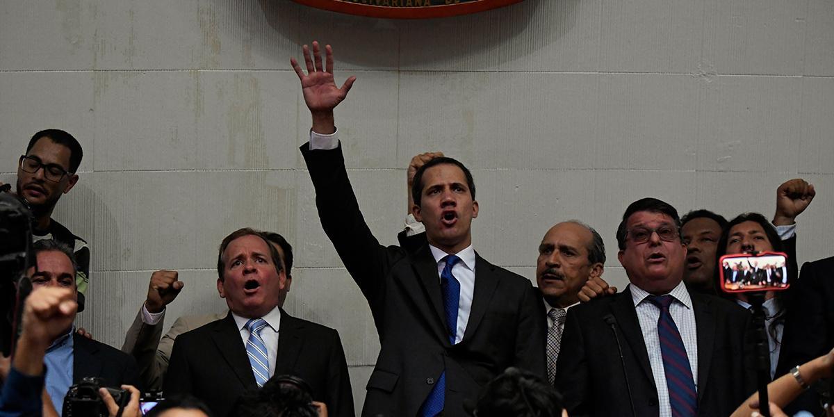 Oposición vuelve a investir a Guaidó como presidente interino de Venezuela