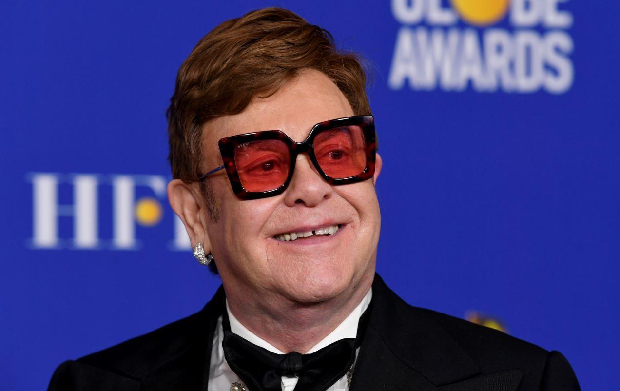(Video) Elton John hará millonaria donación para ayudar a Australia